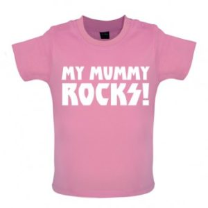 my mummy rocks baby and toddler t-shirt pink